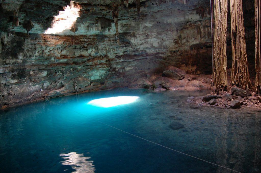 lac souterrain au Mexique